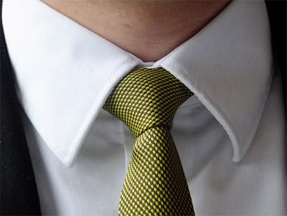 Dobór wzoru, koloru i fasonu krawata